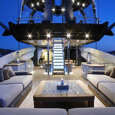 Offer personalized of yacht refinishing